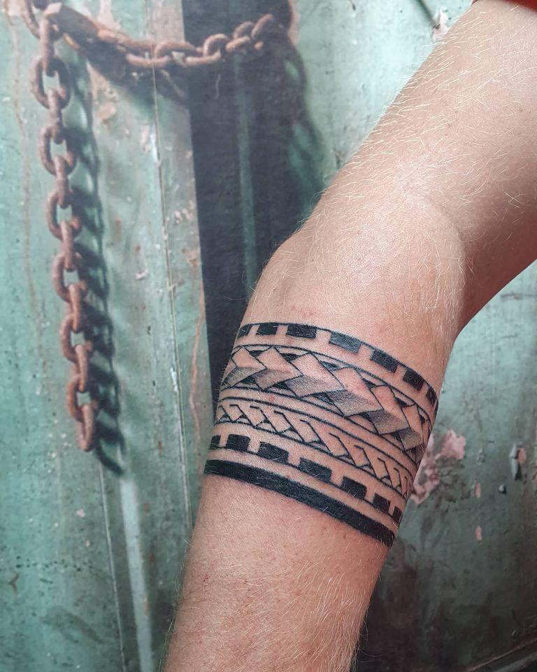 Amor Vincit Omnia tattoo